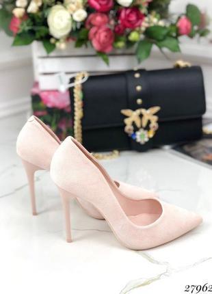 Красивые элегантные лодочки, туфли на шпильке, высоком каблуке