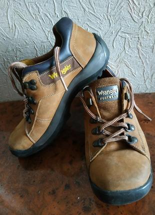 Ботинки деми wrangler 37р кожаные, не промокают