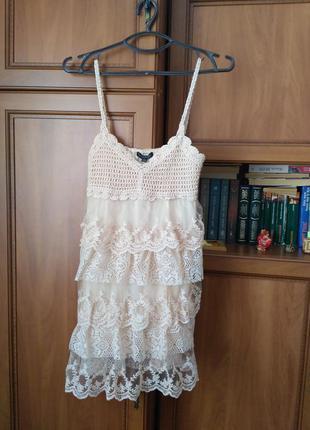 Платье кремовое кружевное qed london