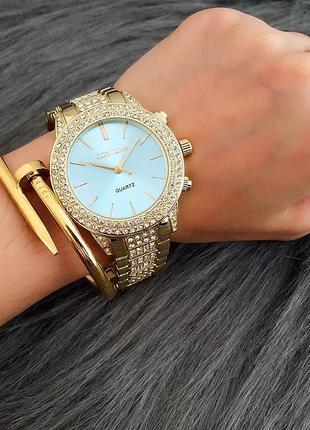 Часы годинник наручные женские золотистые с камушками со стразами