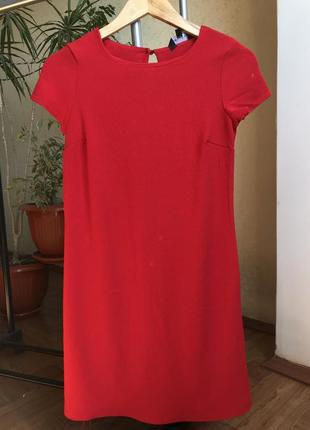 Красное платье прямое
