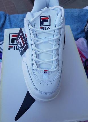 Кроссовки белые кожаные fila
