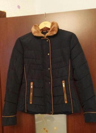 Демисезонная куртка ostin в отличном состоянии, размер s-m