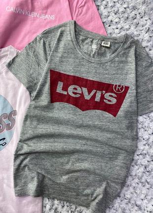 Хлопковая меланжевая футболка с логотипом levis