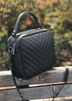 Чёрная кожаная сумочка кроссбоди стёганая vera pelle италия