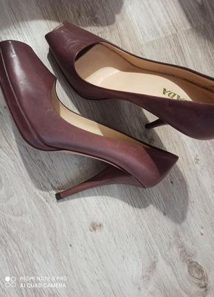 Туфли  кожа босоножки кожа туфли prada оригинал лиловий цвет