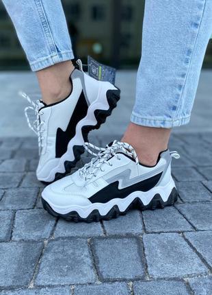 Крутые белые рефлективные кроссовки светящиеся вставки