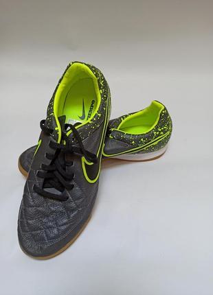 Крассовки. брендове взуття stock