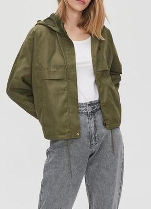 Куртка-бомбер ветровка c капюшоном cropp хаки