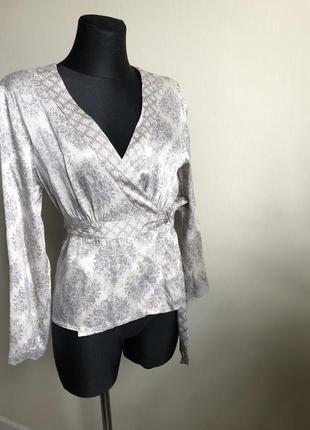 Шикарная шелковая блузка betty jackson studio p.м