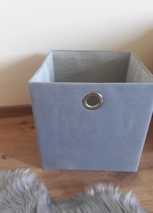 Коробка для хранения вешей .