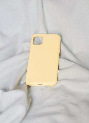 Силіконовий чохол на айфон 11