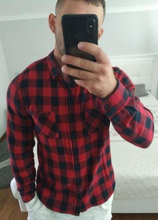 Клеточная рубашка красно-черная