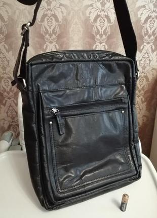 Солидная, мужская , кожаная сумка через плечо, фирма rowallan