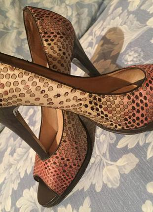 Очень красивые туфли с открытым носком
