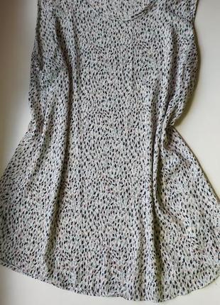 Лёгкая блузка без рукавов