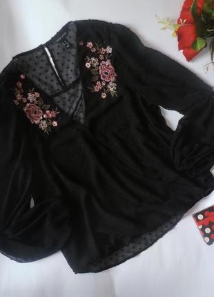 Красивенная черная блуза на запах с вышивкой new look