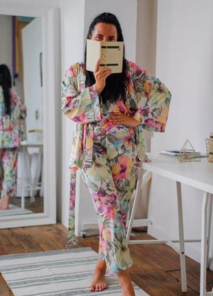 Костюм 3-ка софт(халат, майка на завязках, брюки), в наличии расцветки и размеры