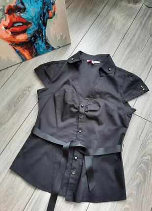 Нарядная блузка с поясом