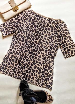 Футболка из плотной ткани с леопардовым принтом