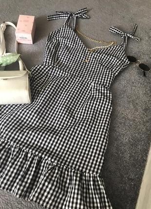 Шикарне плаття від boohoo