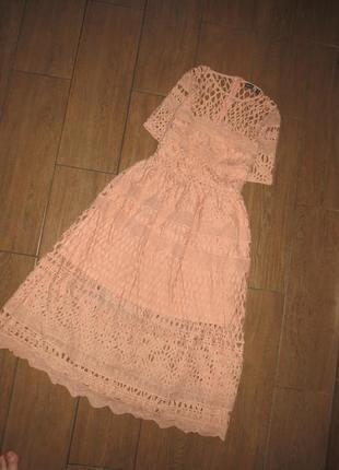 Шикарное кружевное приталенное платье boohoo размер m