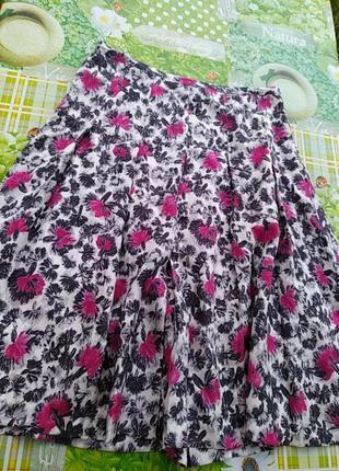 Красивая юбка с цветком