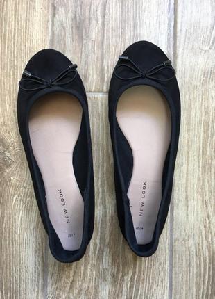 Лёгкие черные текстильные балетки туфли с бантиком new look