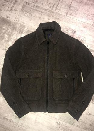 Шерстяная курточка бомбер