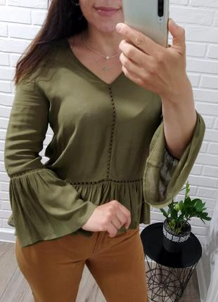 Шикарная блуза цвета хаки c рюшей от river island