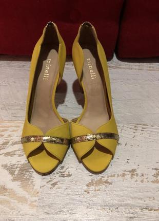 Туфлі із натурального нубука,від minelli