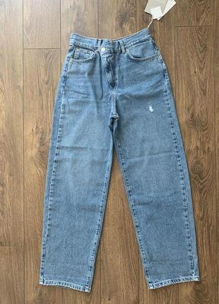 Базовые джинсы mom fit прямые pull&bear