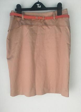 Офисная юбка цвета пудры, фирмы oasis, с пояском