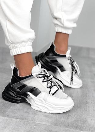 Новинка массивные черно-белые кроссовки