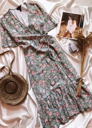 Платье миди на запах в цветы new look