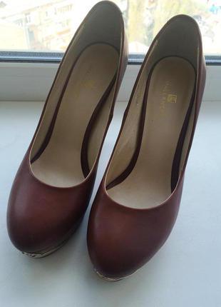Кожаные универсальные туфельки, 38 р