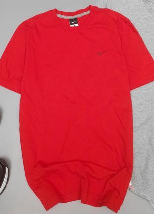 Мужская красная футболка nike
