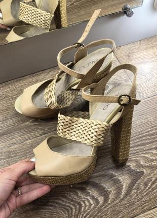 Босоножки туфли с кожаными вставками