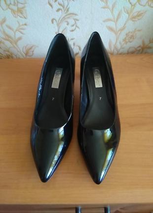 Туфлі gabor 40 р по ст 27,5 см ш 8,5 см каблук 5 см