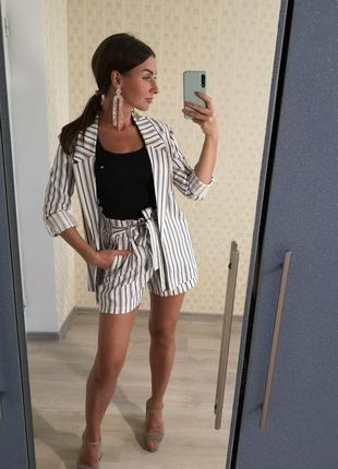 Костюм шорты и удлинённый пиджак