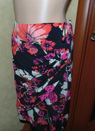 Нарядная трикотажная узкая юбка размер  10-12