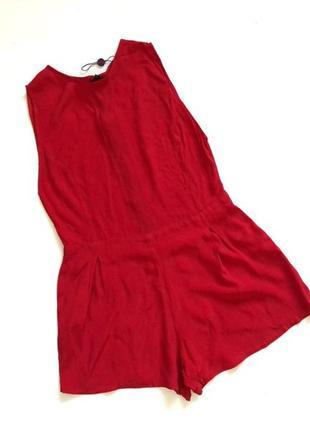Красный стильный ромпер крой свободный