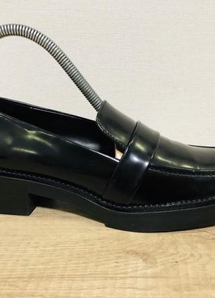 Лаковые туфли лоферы