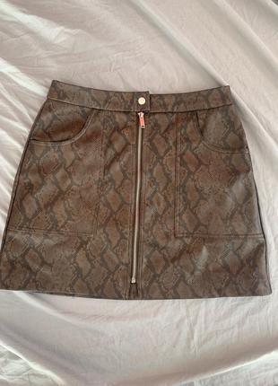 Коричнева юбка zaraз з принтом