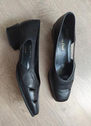 Кожаные туфли лоферы балетки van dal размер 38-39