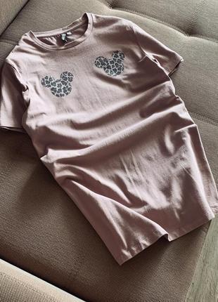Нежно розовая футболка с микки