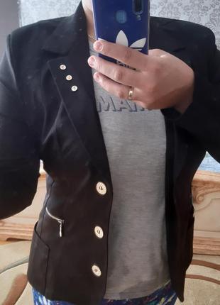 Классический чёрный пиджак