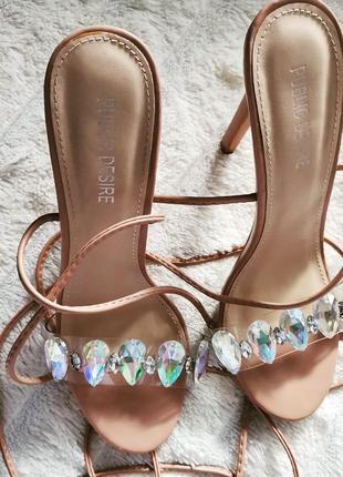 💥💥💥ценопад! невероятные пудровые босоножки мюли шлепки на каблуке с камнями хамелеон