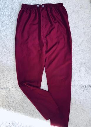 Бордовые медицинские брюки