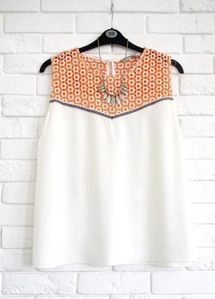 Нежная блуза из штапеля с выбитой горловиной tu uk18 в идеальном состоянии